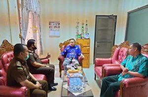 Ketua Pengadilan Agama Kuala Kapuas Menerima Kunjungan Kajari Kuala Kapuas